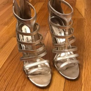 💗Audrey Brooke Gold Heels